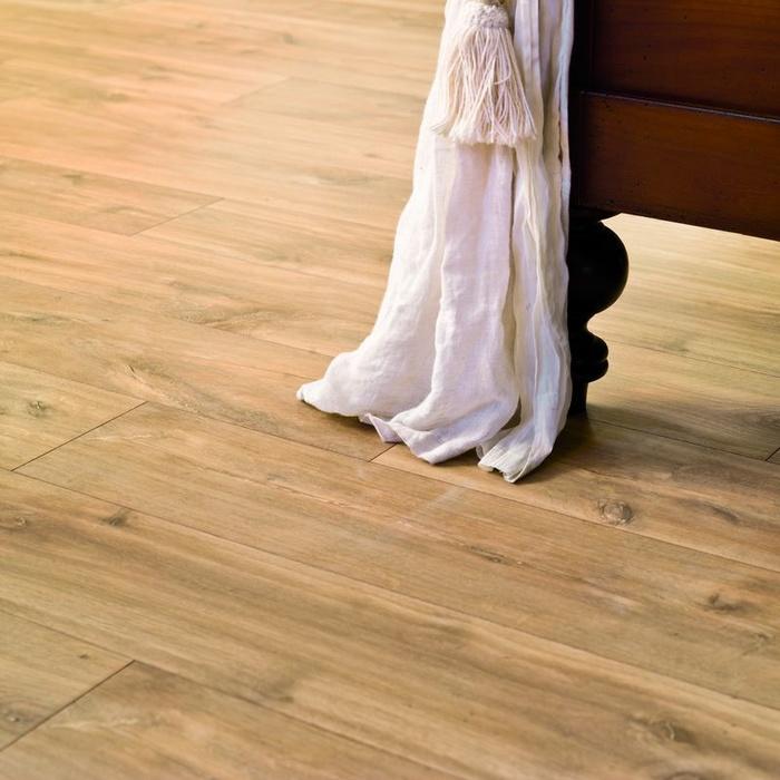 quick step classic mitternacht eiche natur laminat. Black Bedroom Furniture Sets. Home Design Ideas